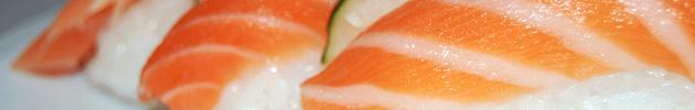 Niguiris (Canapés de arroz cubiertos con un fino corte de pescado)