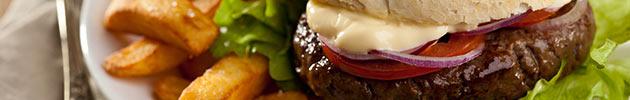 Hambúrgueres com fritas