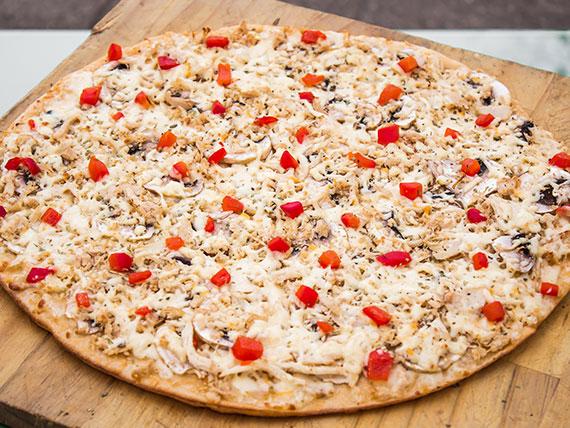18 - Pizza con pollo familiar