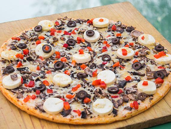 21 - Pizza palmitos familiar