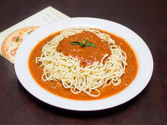 Espaguete à bolonhesa gratinado (2 pessoas)
