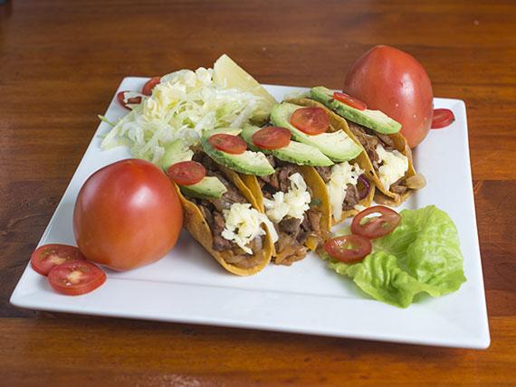 Taco de carne de res con tortilla de maíz (4 unidades)