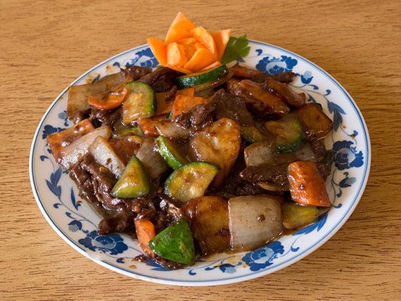 71. Carne saltada con salsa de ostra