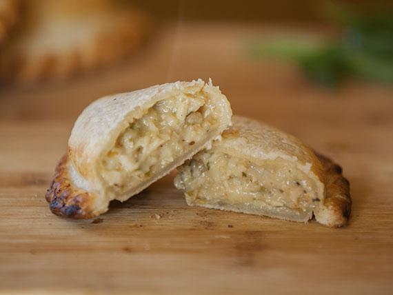 06 - Empanada pollo