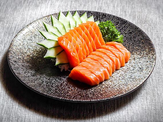Sashimi sake (8 unidades)