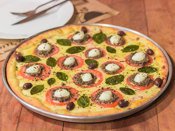 20 - Pizza caprese